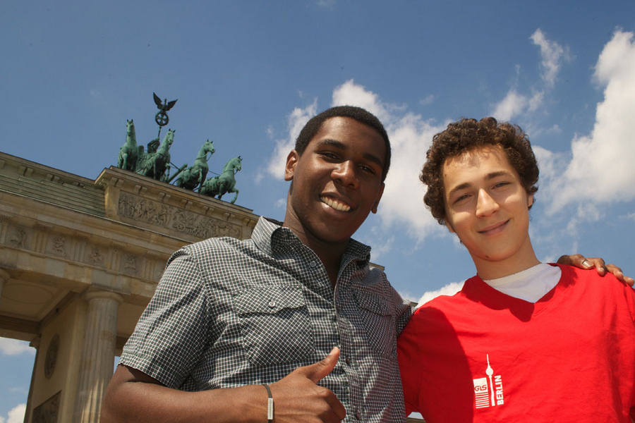 Berlin College students at Brandenburg Gate - we arrange 2 Berlin-activites every day
